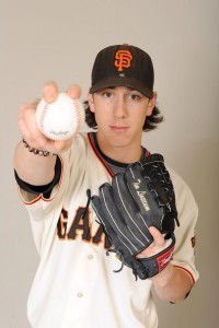 How Lincecum Throws So Hard